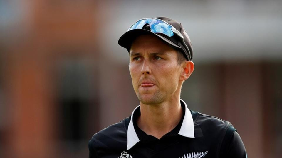 FILE PHOTO: New Zealand's Trent Boult, shown in a file photo, is one of a small number of players to return home after they lost the World Cup final to England. Action Images via Reuters/Andrew Boyers/File Photo