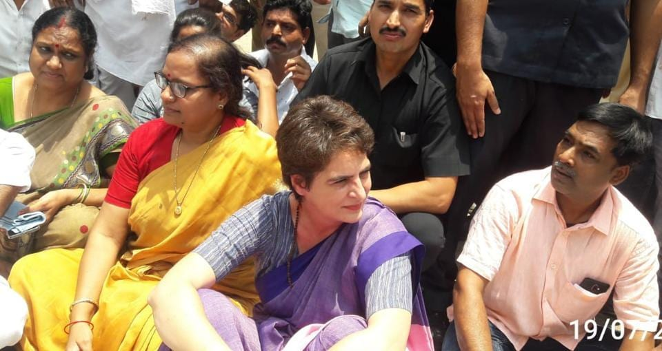 UP police stop Priyanka Gandhi from going to Sonbhadra where 10 died in firing
