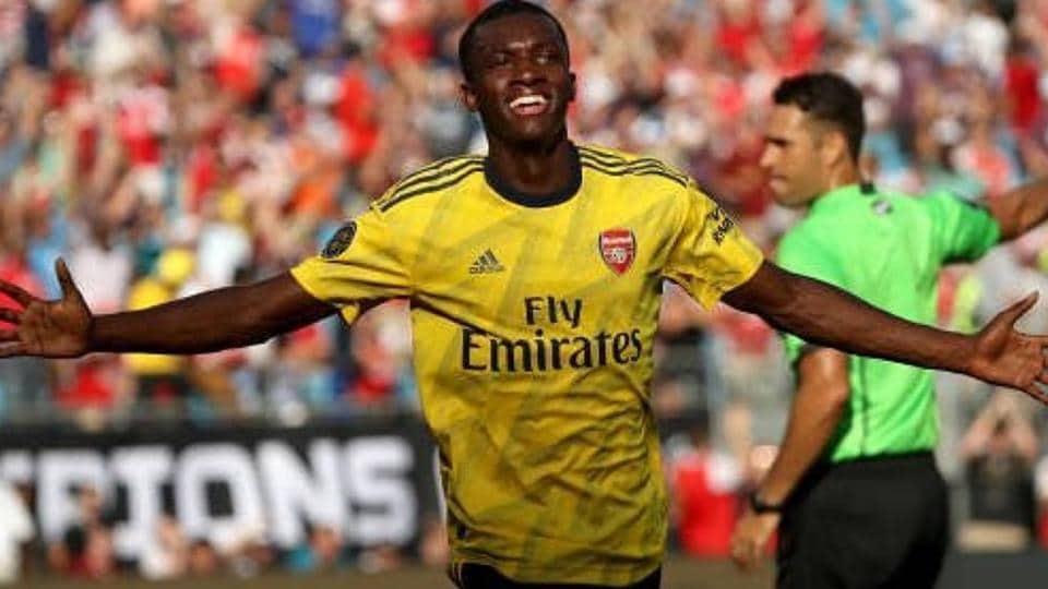 Edward Nketiah celebrates after scoring for Arsenal against Fiorentina.