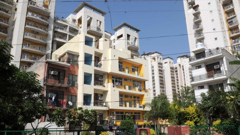 The South Delhi Municipal Corporation wants to de-seal properties that fulfil norms.
