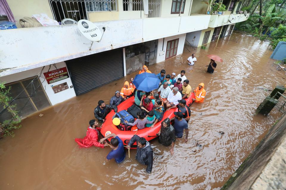 Heavy rain continued to pound many areas of Kerala, forcing the Indian Meteorological Department (IMD) to extend a red alert in five districts till July 25 as death toll in the past four days rose to ten. (HT File)