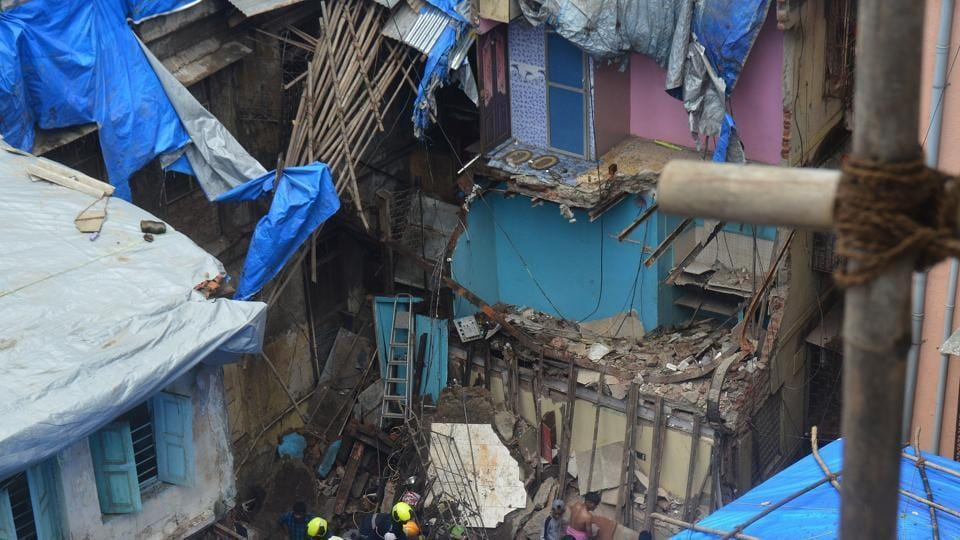 The building collapse in Dongri killed 13 people.