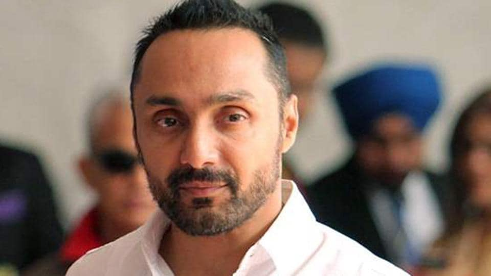 Twitter went bananas as Rahul Bose posted a video about the exorbitant amount charged by a hotel.