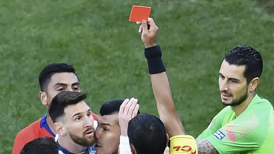 莱昂内尔·梅西禁赛一场比赛获得美洲杯红牌