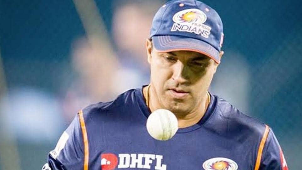 Virat Kohli bats for Ravi Shastri to continue as coach