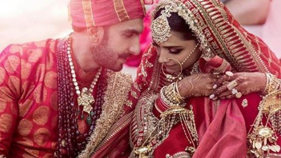 Deepika shares throwback photo with hubby Ranveer