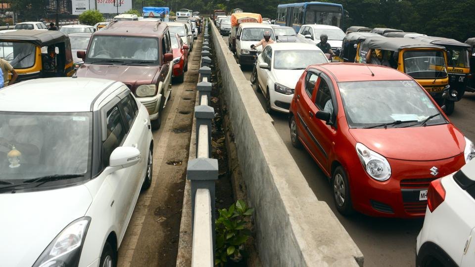 The Pune traffic police on Saturday, launched a  traffic resolution app for the benefit of the residents.