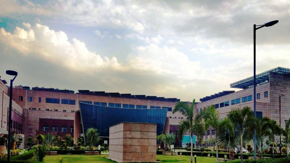 GIMS is located in Greater Noida, near Kasna. It sees patients from Greater Noida, Jewar, Dadri as well as from Hapur and Bulandshahr.
