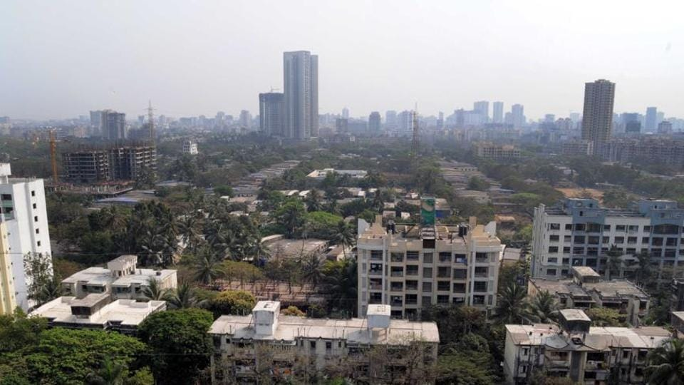 Residents' associations of Motilal Nagar have welcomed the plan to generate 40,000 affordable houses, but want Mhada to redress their grievances.