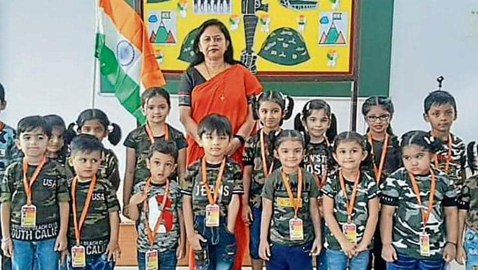 The pre-primary section of the US Ostwal English Academy, Mira Road, commemorated the 20th anniversary of the Kargil War victory.