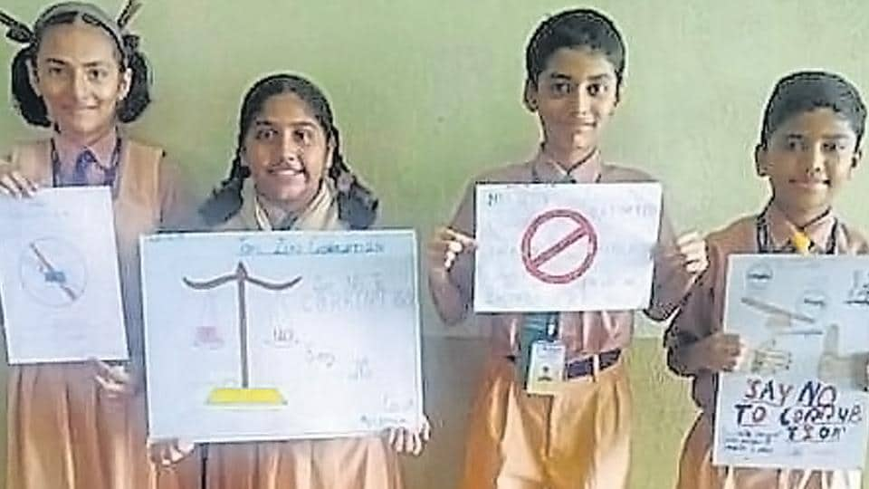 Ryan International School in Nallasopara recently organised a poster-making competition on the issue of corruption. Students made creative posters, promoting the topic of zero corruption.