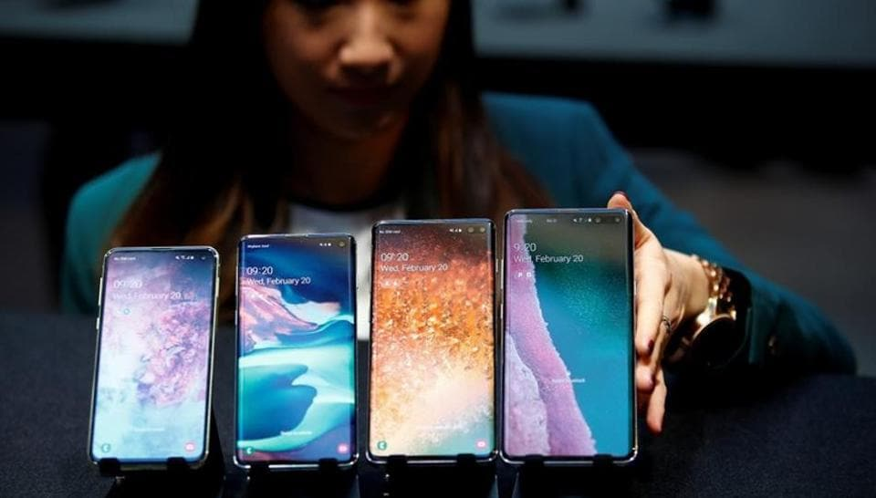 Samsung Electronics looks to chip recovery as second quarter profit falls 56%