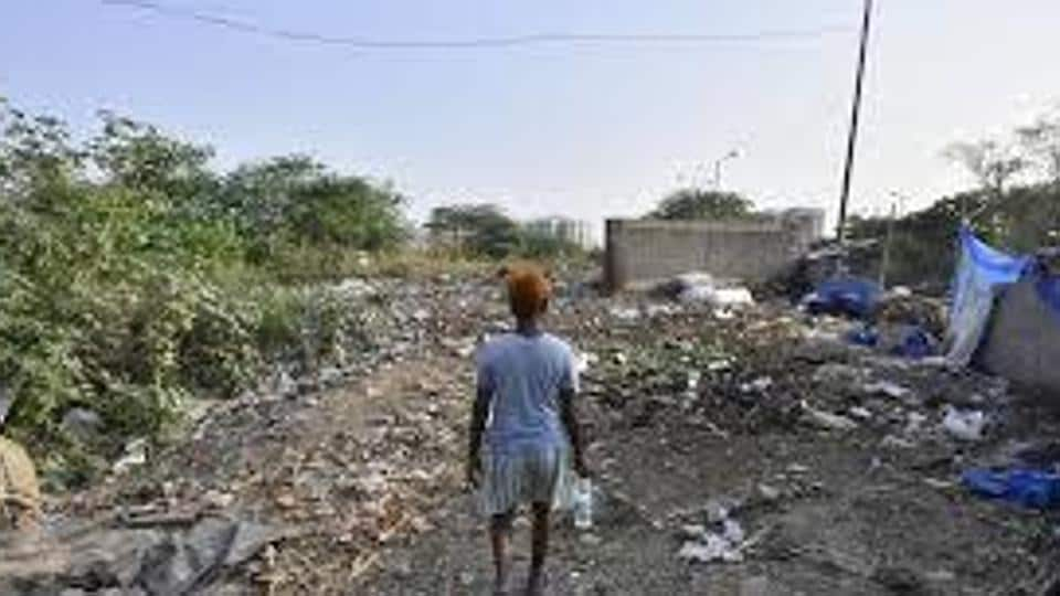 Senior officials, who did not wish to be named, said spots inspected included slums like Zakhira and Mayapuri Chowk; residential areas like Indira Camp and Amar Jyoti Colony; commercial areas like Shastri Market in Azadpuri; schools in Badli and Malka Ganj, besides a 'special location' Bhalswa Lake.