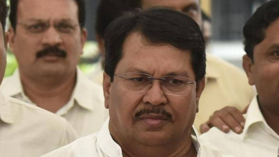 Wadettiwar, who quit the Shiv Sena in 2005 along with former chief minister and Sena leader Narayan Rane, has been elected to the legislative Assembly.