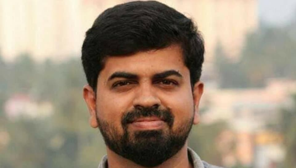 The bureau chief of Malayalam daily Siraj, K Muhamed Basheer (35), was killed in a road accident in Thiruvananthapuram.