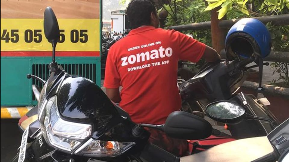Many are tweeting with hashtag #ZomatoUninstalled.