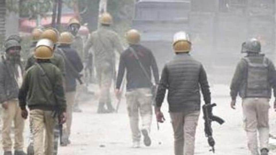 In another incident on Saturday, an ongoing gunfight at Pandushan village in Shopian continued into the second day and a joint party of police, army and CRPF killed a militant. Image used for representational purpose only.