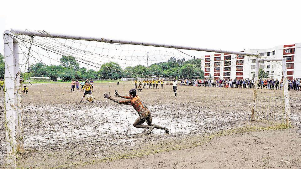 The SSPMS ground was slimy and mucky, especially in front of goalposts.