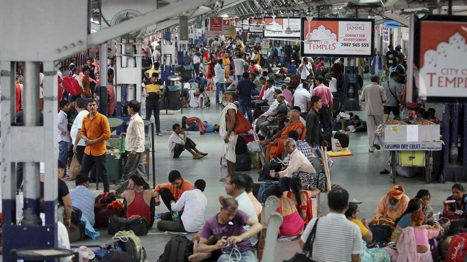 The Jammu and Kashmir government asked the Amarnath pilgrims and tourists on Friday to immediately make necessary arrangements to cut short their stay in the Valley in the wake of intelligence inputs of
