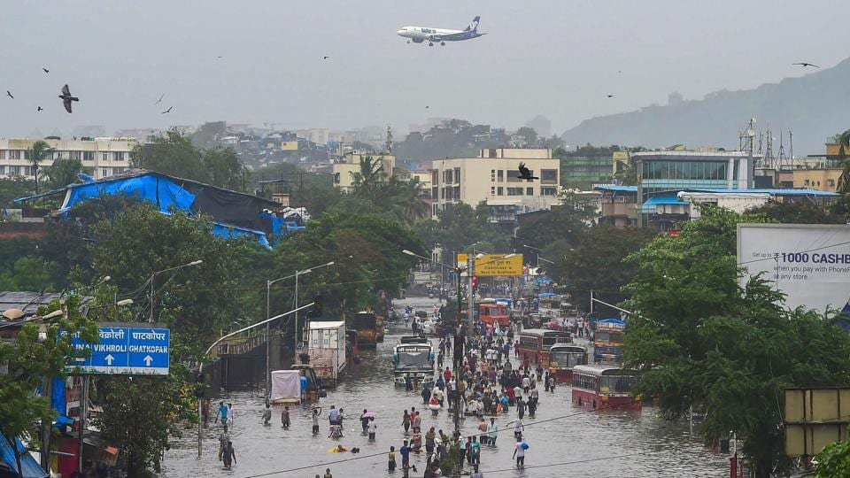 Heavy rainfall results in flood like situations in Mumbai.