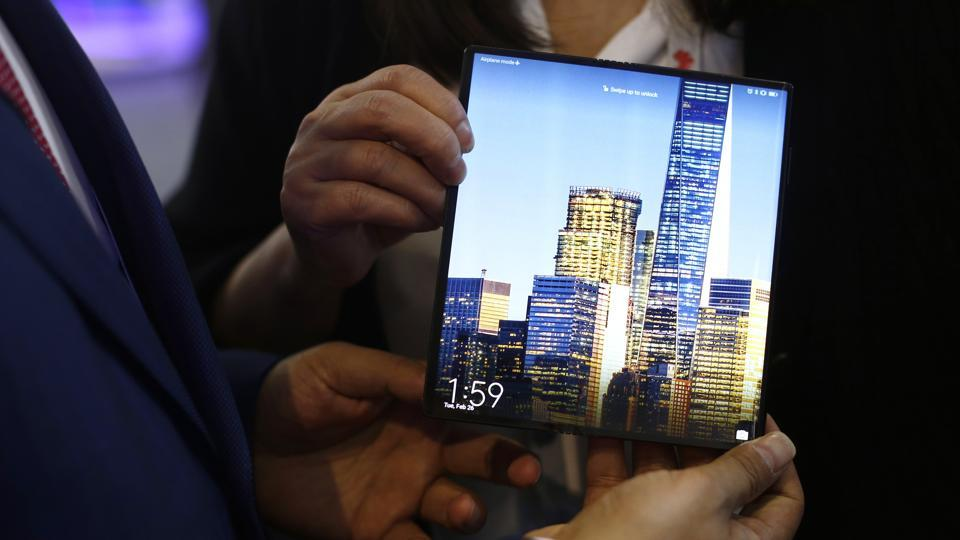 Huawei Mate X inches closer to the commercial launch
