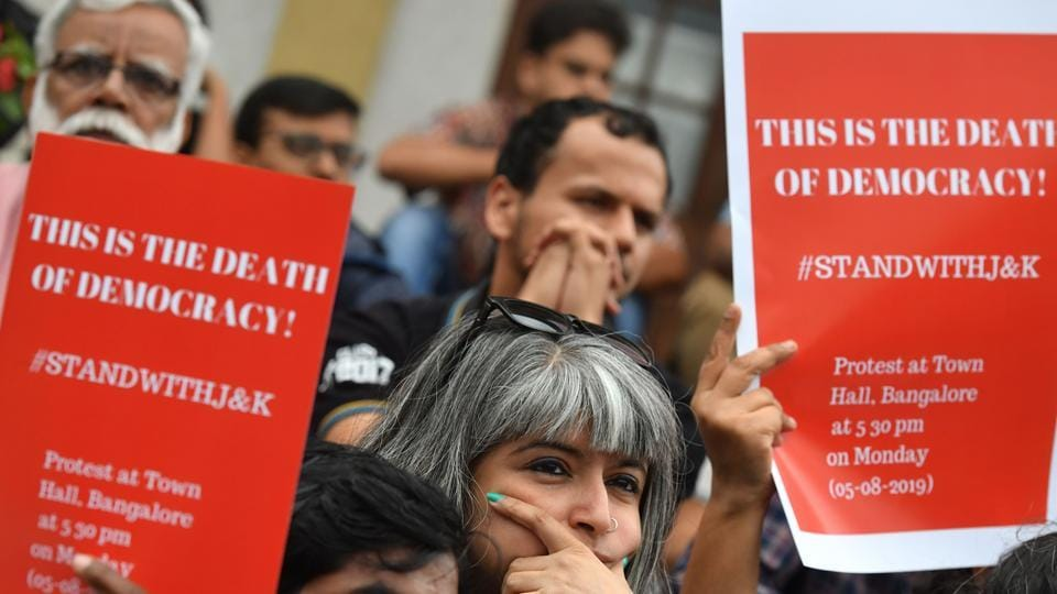 Protestors and activists belonging to the Alternative Law Forum and other left wing organisations take part in a protest in Bangalore on August 5, 2019, in reaction to the Indian government scrapping Article 370 that granted a special status to Jammu and Kashmir. - The Indian government on August 5 stripped Kashmir of the special autonomy it has had for seven decades.