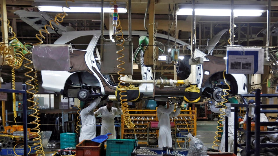 Tens of thousands losing jobs as India's auto crisis deepens