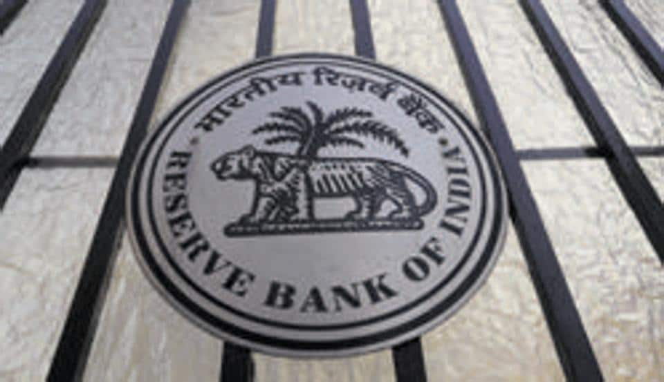 The central bank delivered a higher-than-expected rate cut in a split verdict.