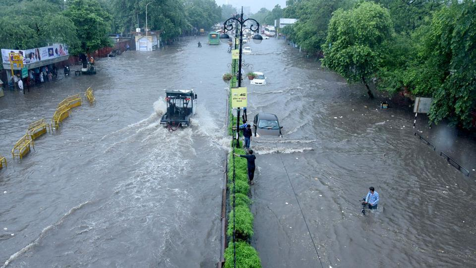 Incessant rains followed by heavy discharge of water from Radhanagari and Koyana dams in western Maharashtra has led to floods in Sangli and Kolhapur.