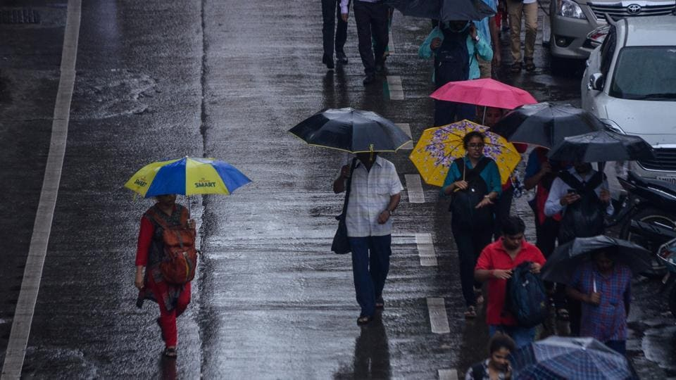 After two days of reduced rain activity, the weather bureau on Tuesday predicted heavy showers for Mumbai later in the week.