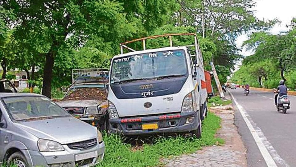 Unclaimed vehicles at Kavi Nagar in Ghaziabad. The police will seize such vehicles and take legal action against owners.