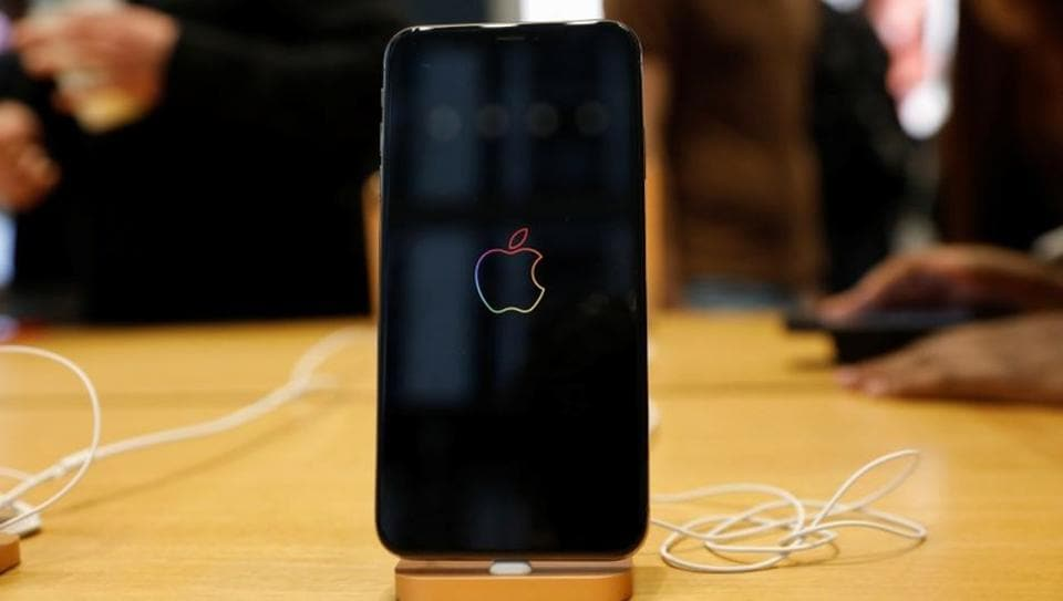 Contacts on iPhones vulnerable to hack attack Report