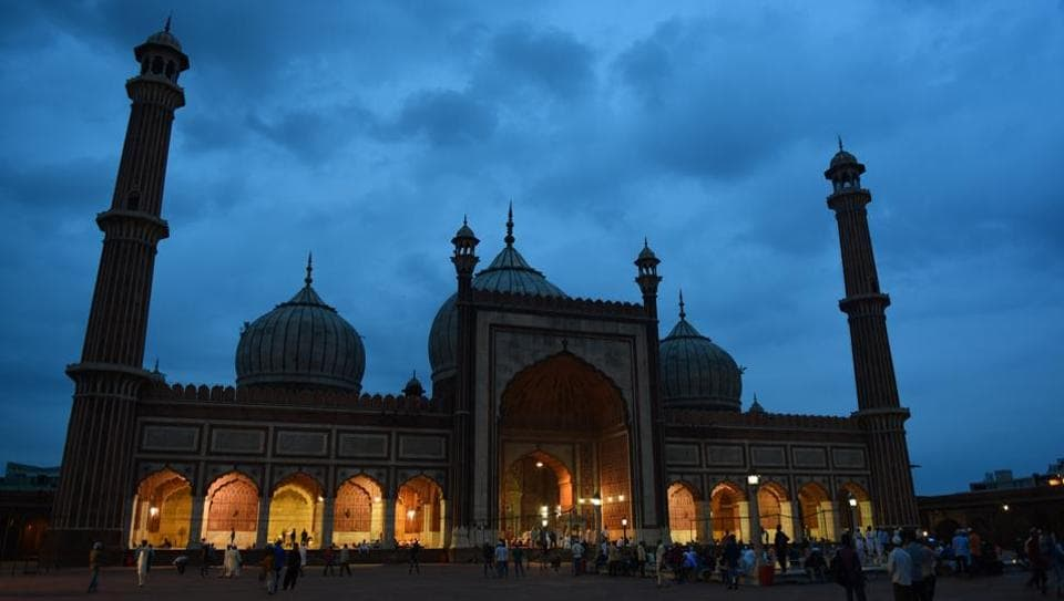 People offer prayers during the early hours of the day on the occasion of Eid al-Adha at Jama Masjid in New Delhi. Muslims around the world are celebrating Eid al-Adha (the feast of sacrifice), the second of two Islamic holidays celebrated worldwide marking the end of the annual pilgrimage or Hajj to the Saudi holy city of Mecca. (Sanchit Khanna / HT Photo)