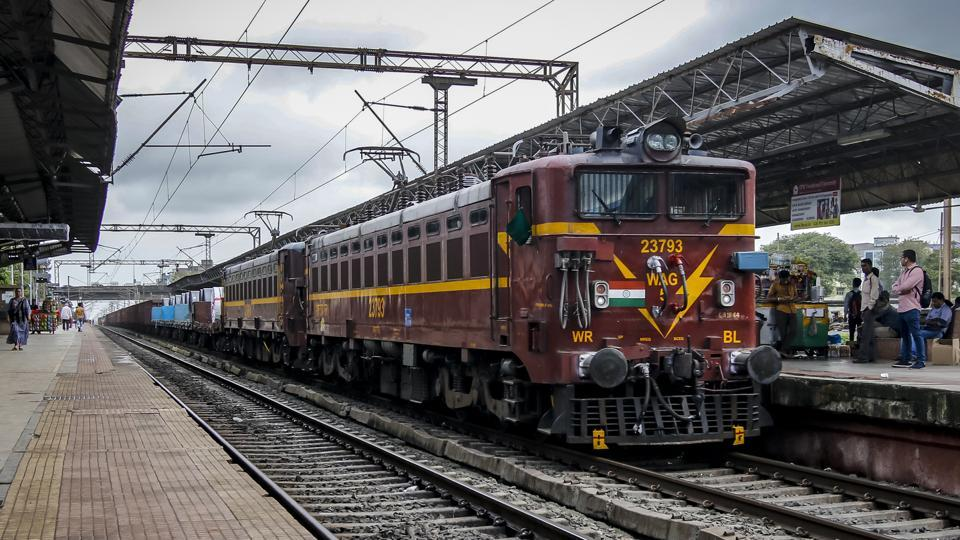 Ticket confirmation text despite cancellation leaves Pune passengers