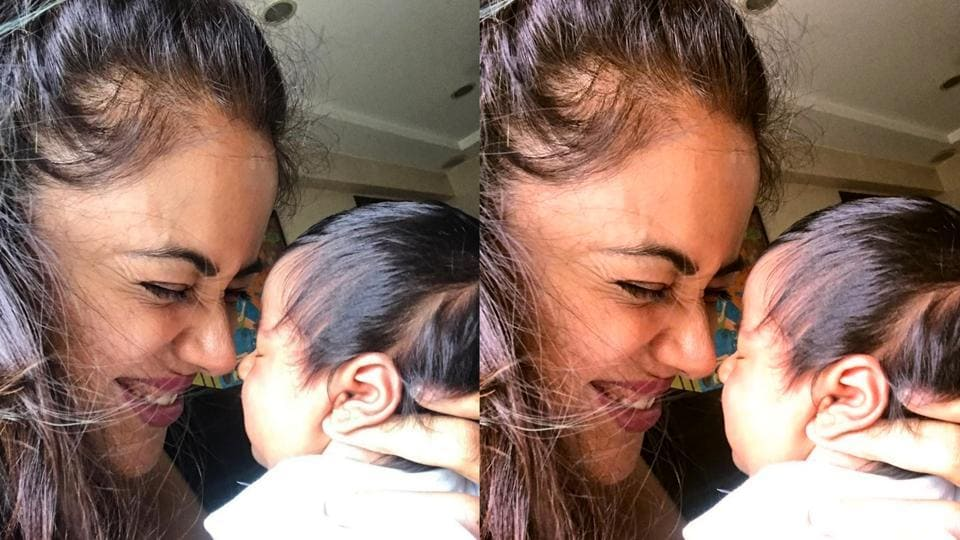 Sameera Reddy with daughter Nyra.