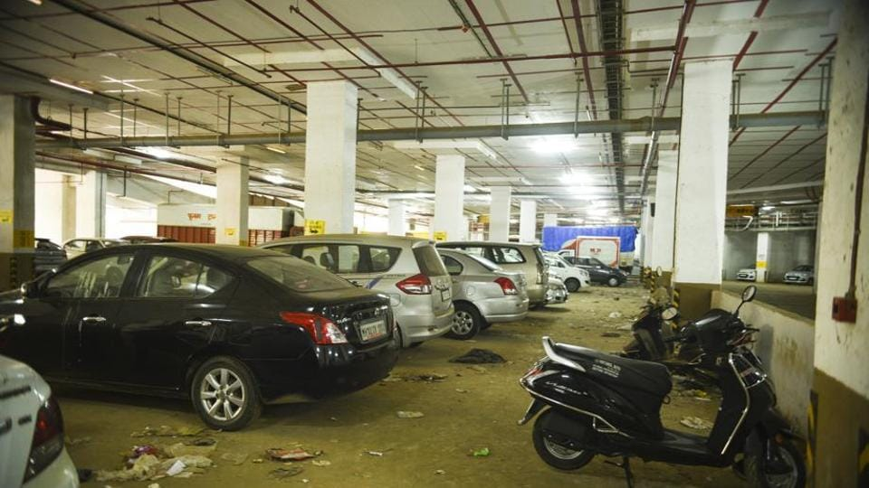 Having trouble looking for a spot to park? You can now search for parking lots nearest to your location through the Brihanmumbai Municipal Corporation's (BMC) MCGM24x7 app.