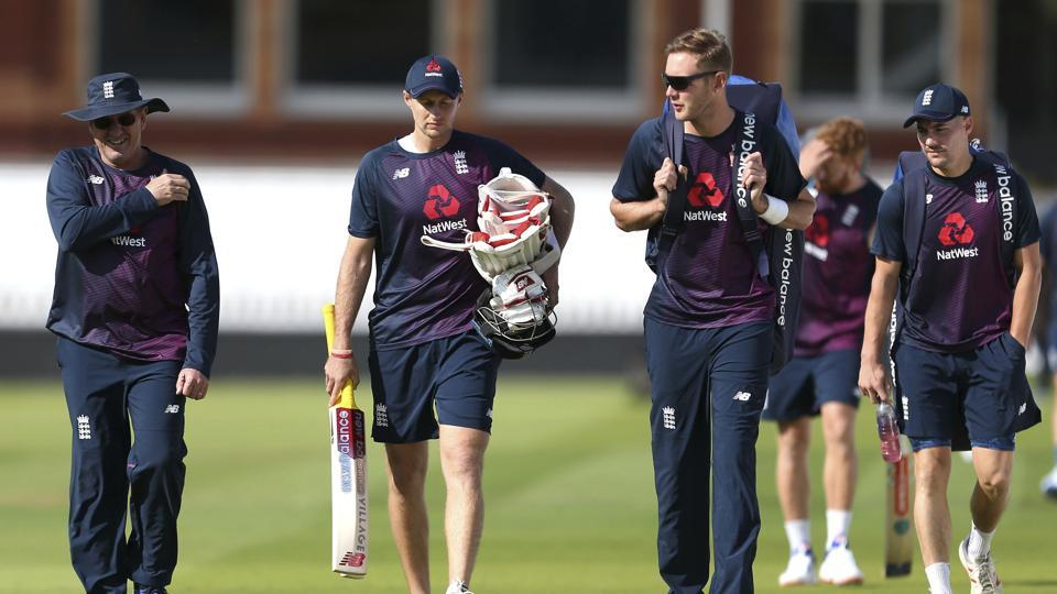 England players arrives, with from left, head coach Trevor Bayliss, Joe Root and Stuart Broad