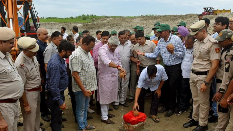 Jal Shakti Minister Gajendra Singh Shekhawat along with Delhi Chief Minister Arvind Kejriwal inaugurated a natural water reservoir project to conserve rainwater on the floodplains of river Yamuna, at Sungarpur, in New Delhi, last week