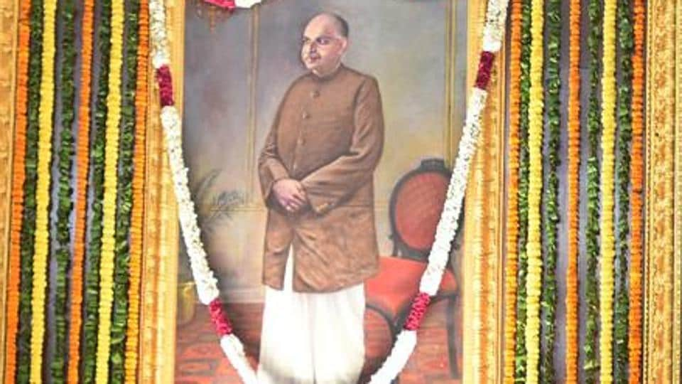 A   far-Right  group in Bengal, Hindu Samhati, wants the Centre to rename Kolkata's Sealdah station after Shyama Prasad Mookerjee, the founder president of the Bharatiya Jan Sangh, the forerunner of the BJP.