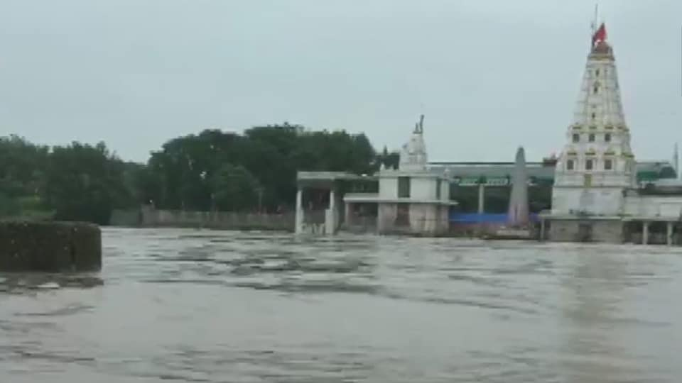 Madhya Pradesh's Mandsaur district received very heavy rainfall on Wednesday leading to water-logging and flood-like situation in many areas.