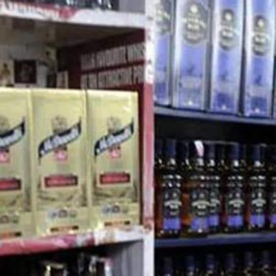 All liquor outlets in Gautam Buddh Nagar falling in 8-km radius of Haryana will shut shops at 6 pm on October 19