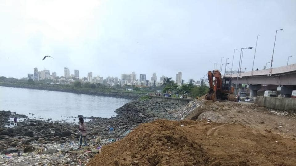 The BMC cleared 4,124 tonnes of waste from the Mahim area over one month.