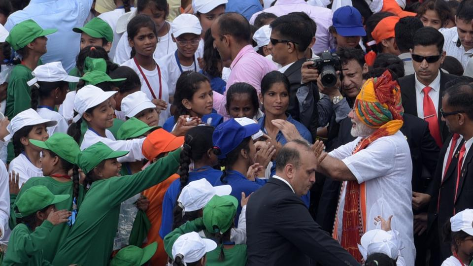 Prime Minister Narendra Modi greeting school children after addressing the nation from the Red Fort on the 73rd Independence Day  on Thursday.