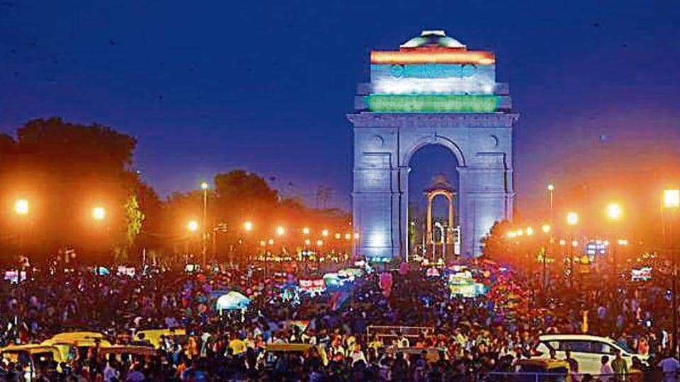 Police said nearly 1.25 lakh people visited India Gate lawns on I-Day evening.
