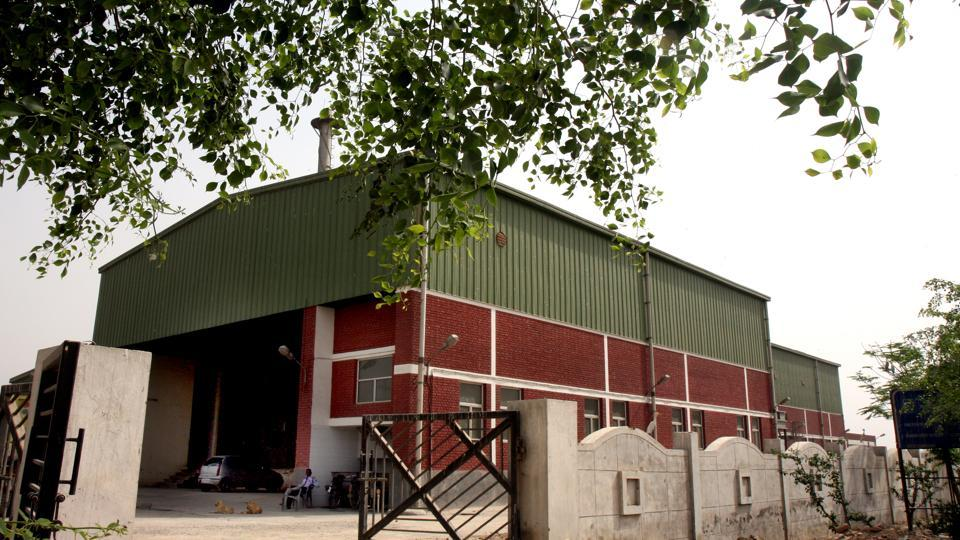 The East Delhi Municipal Corporation (EDMC) has floated a global tender inviting companies from across the world to operate and manage the Ghazipur slaughterhouse at Delhi-Uttar Pradesh border near the National Highway 24.