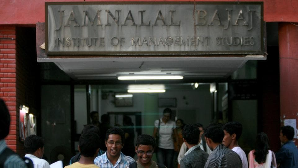 """Supreme Court on Wednesday directed the state to maintain the """"status quo"""" regarding the autonomy of Jamnalal Bajaj Institute of Management Studies (JBIMS)."""