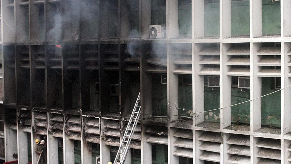 A senior police officer present on the spot said the fire was limited to three-four rooms on the fifth floor.