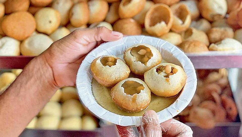 The paani wale golgappas of Radhe Radhe chaat stall in South Extension II remain hugely popular among long time patrons and new customers.