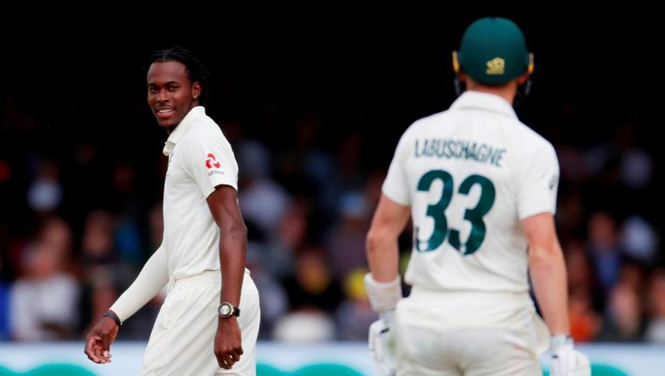 England's Jofra Archer looks to Australia's Marnus Labuschagne