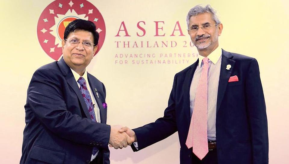 External Affairs Minister S Jaishankar met his Bangladeshi counterpart A K Abdul Momen and discussed ways to strengthen the bilateral ties.